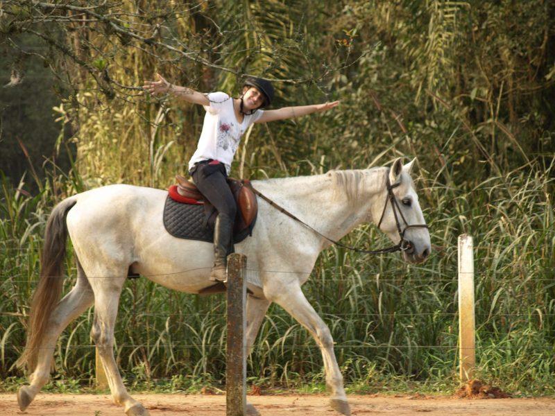 Benefícios de montar a cavalo é milenar