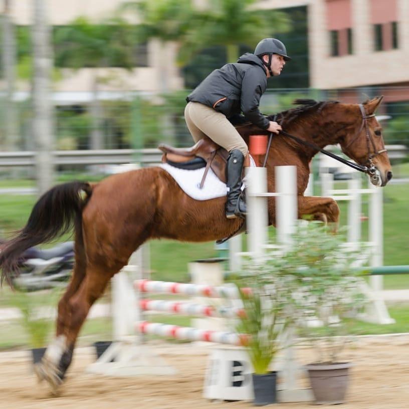 Raul e Passieur Jmen, Equilibre e Thaty Aulas Equitação