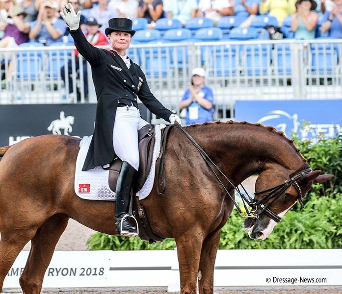 Isabell Werth, da B4lla Rose, completou a corrida de Grand Prix da World Equestrian Games, que cimentou o ouro para a Alemanha. © 2018 Ken Braddick dressage news