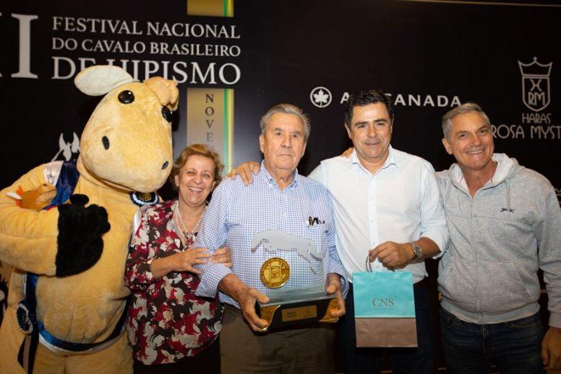 HARAS AGROMEN E AGROMEN AGROPECUÁRIA LTDA RECEBEM PRÊMIOS DE MELHOR CRIADOR E EXPOSITOR DA 13ª EDIÇÃO DO FESTIVAL